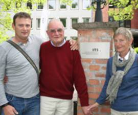 The picture shows the Löwenstein family visiting the ITS