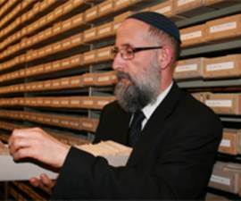 The picture shows Rabbi Leo Jechiel Brukner in the ITS archive